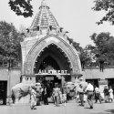 A budapesti állatkert főkapuja (Fotó: Fortepan)